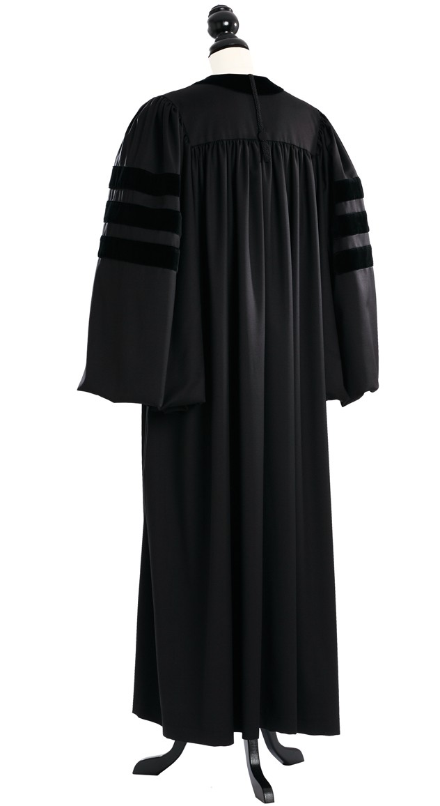 how to wear academic gown